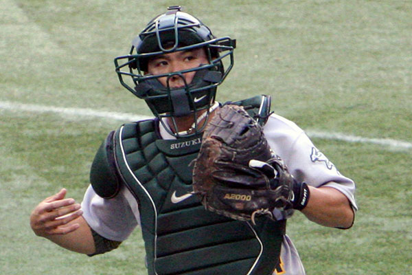 Kurt Suzuki of the Oakland A's runs down the line to back up the first baseman in a 5-1 loss to the Blue Jays at the Rogers Centre August 6, 2008. Photo credit: Jonathan Eto.