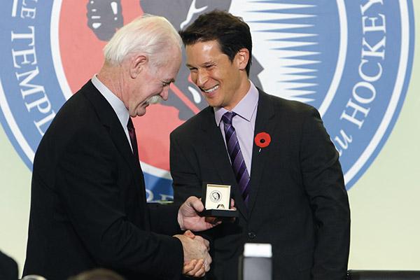 Paul Kariya's championship rings stolen from Hockey Hall of Fame